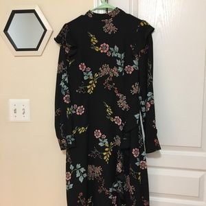 Pretty black floral long sleeved dress